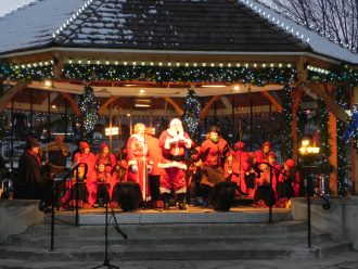 Leavenworth Washington Festivals A Guide To Annual Activities For  - Leavenworth Christmas Lighting Festival